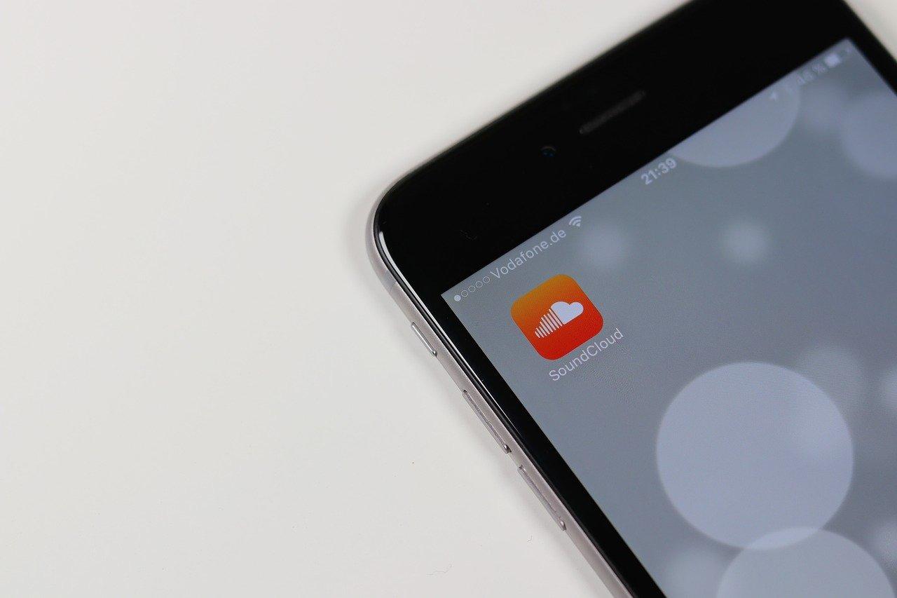React Native mobile app examples - SoundCloud